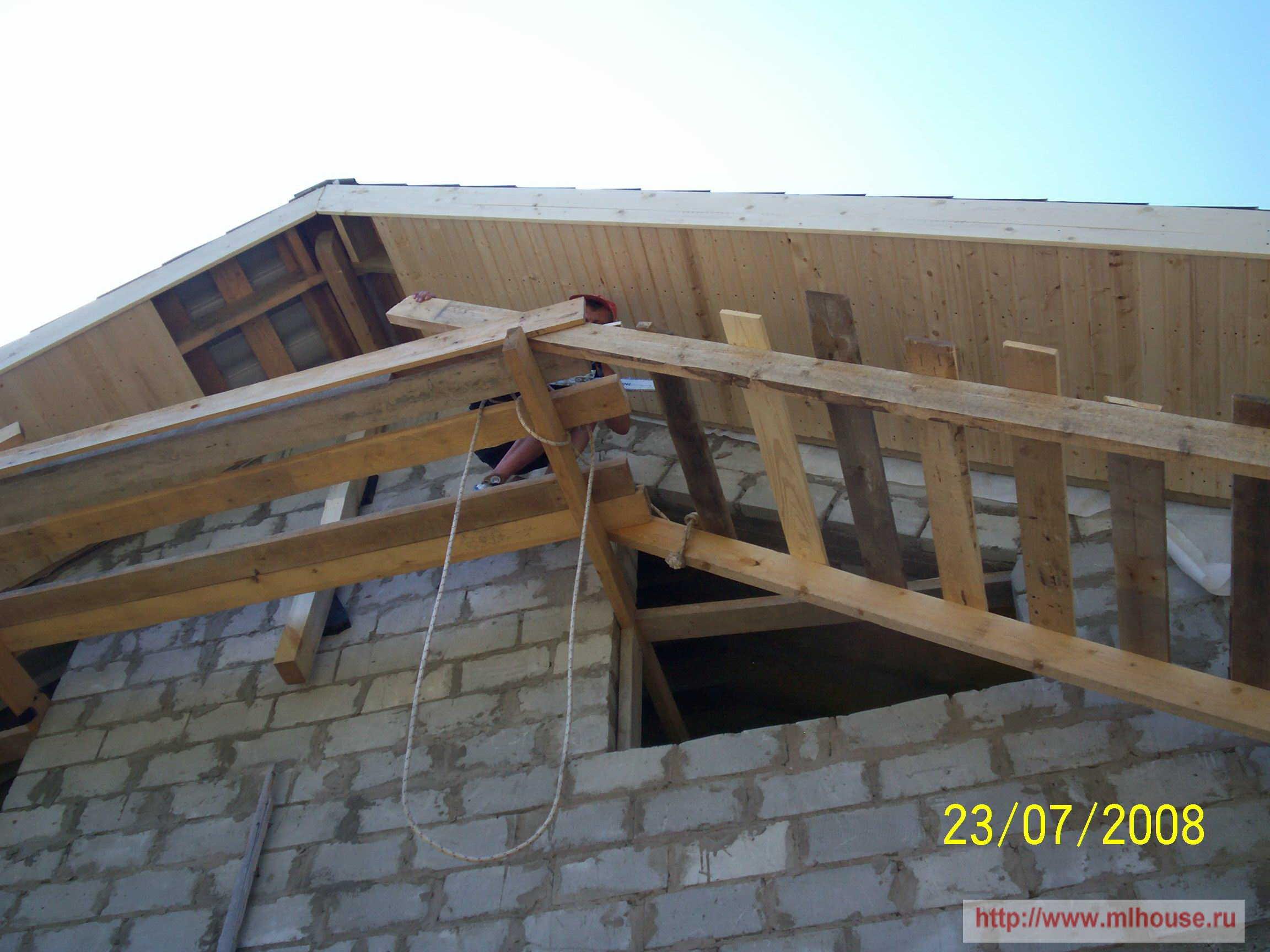 Как обшить крышу своими руками 85