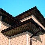 Отделка сайдингом крыши: свесы и фронтоны