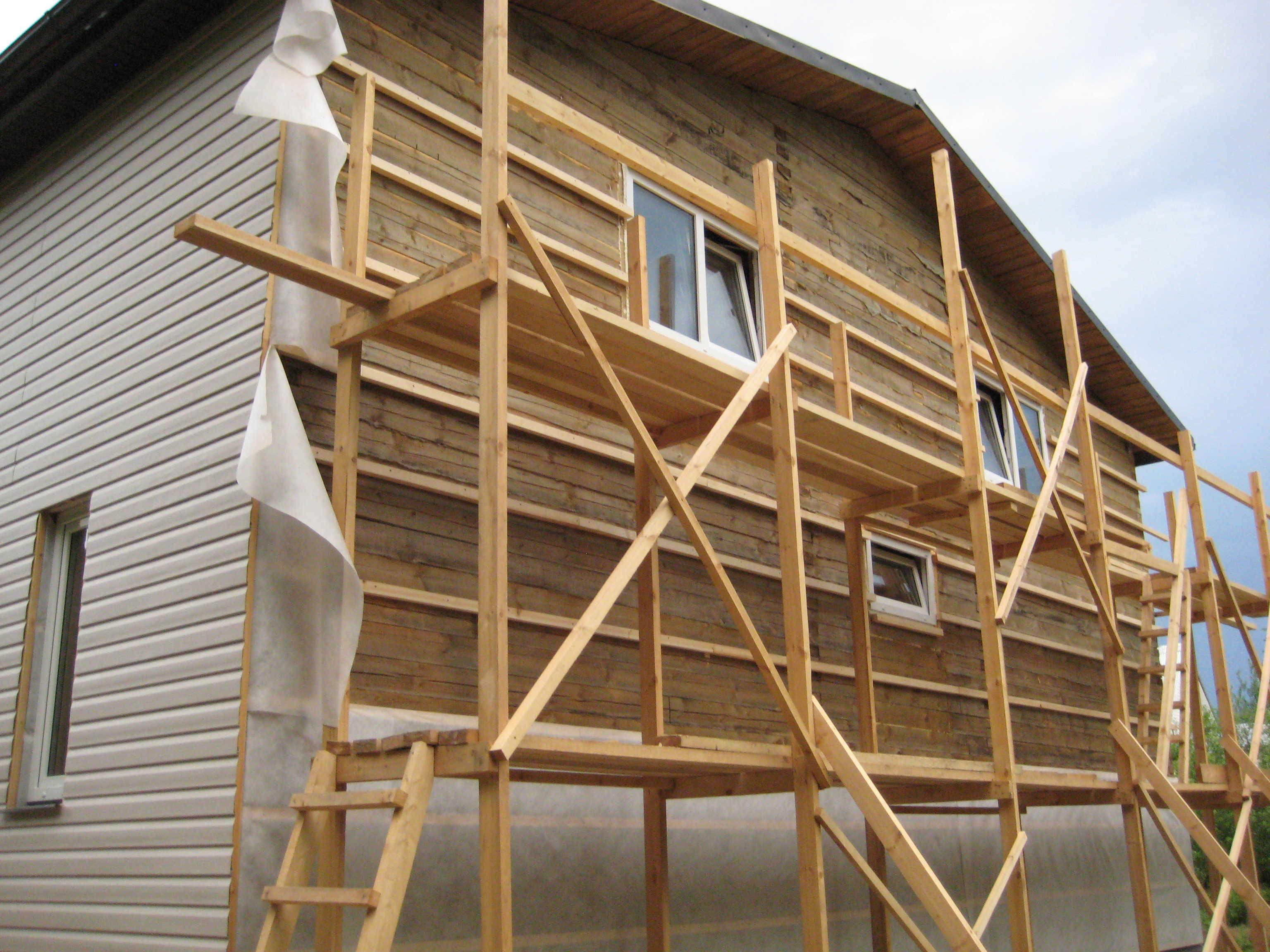 Ремонт фасада в деревянном доме своими руками