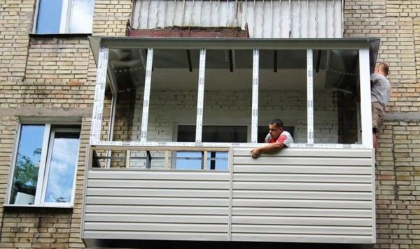 Как самому обшить балкон сайдингом