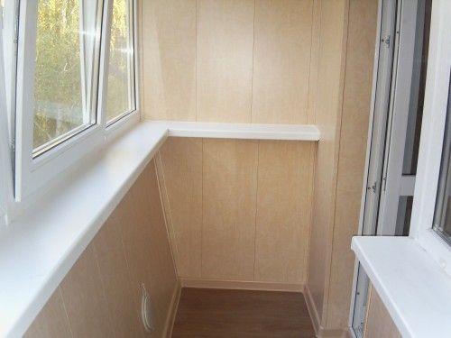 Обшивка сайдингом внутри балкона