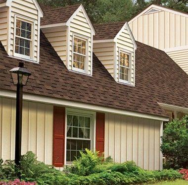 Оформление дома вертикальной отделкой