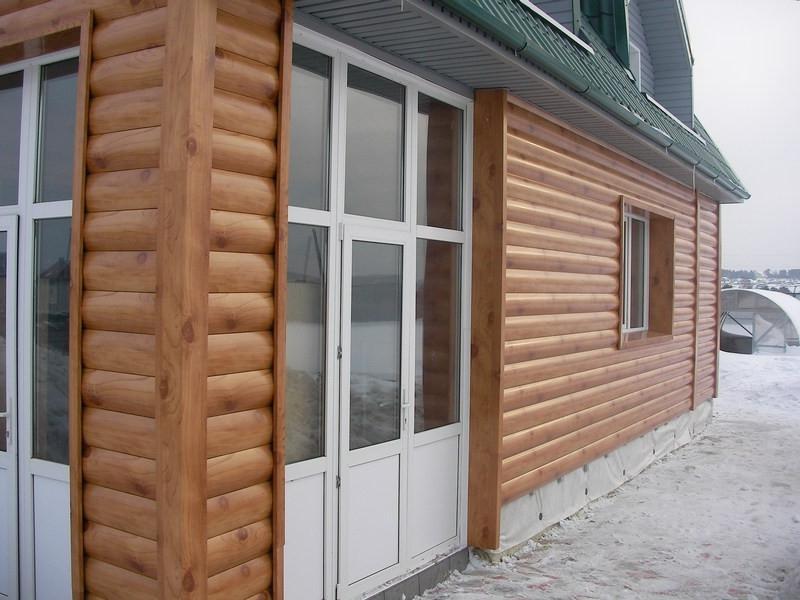 Блок-хаус металлический в облицовке дома