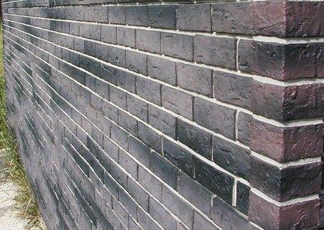 Фото фасада, выполненного при помощи сайдинга «жженый кирпич»