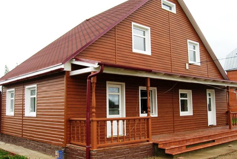 Виниловый сайдинг, имитирующий натуральный деревянный блок-хаус