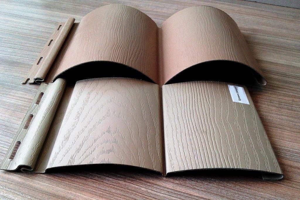 Виниловый полукруглый сайдинг блок-Хаус может не только быть разных цветов, но и отличаться по текстуре, имитирующего дерева, различные узоры