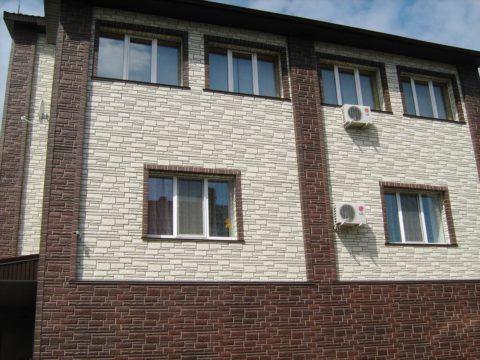 Своими руками обшиваем дом сайдингом – цокольные панели в качестве контрастных вставок