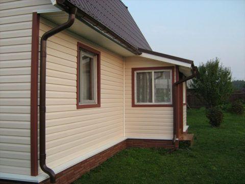 Облицованный дачный домик