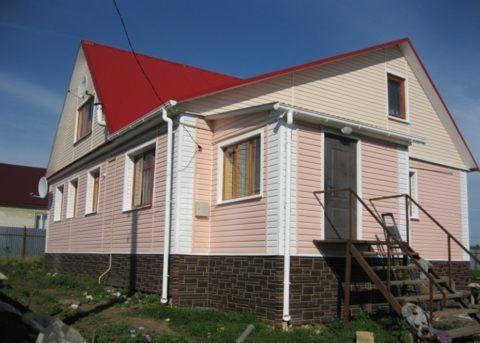 Отделка дома стеновым и цокольным сайдингом Альта-профиль