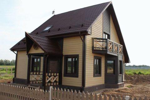 Загородный дом с фасадами из сайдинга Латонит