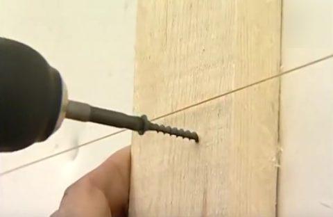 Фиксация деревянной обрешетки на саморезы
