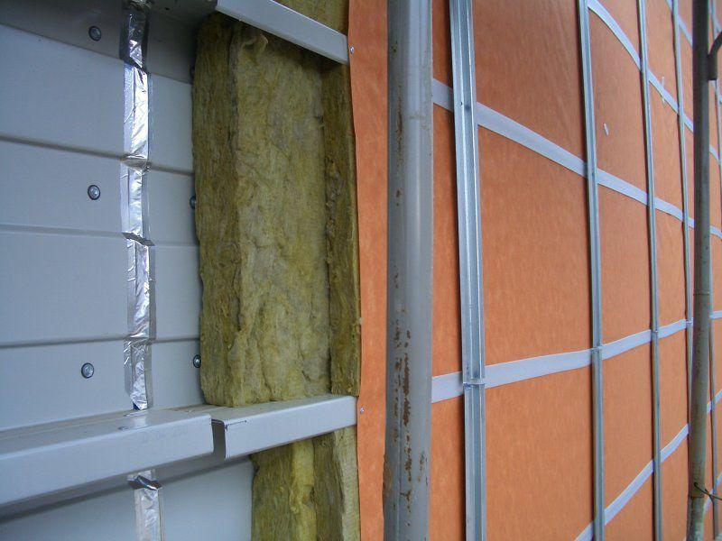 как крепить профиль к стене для сайдинга