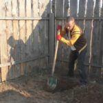 Копается яма